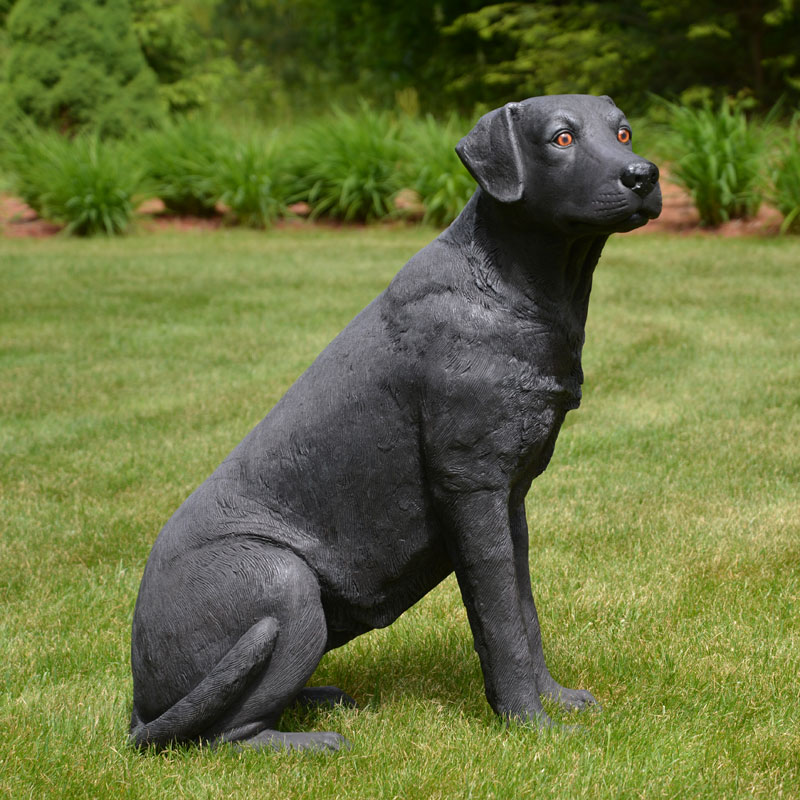 Black Dog Welcome Statue